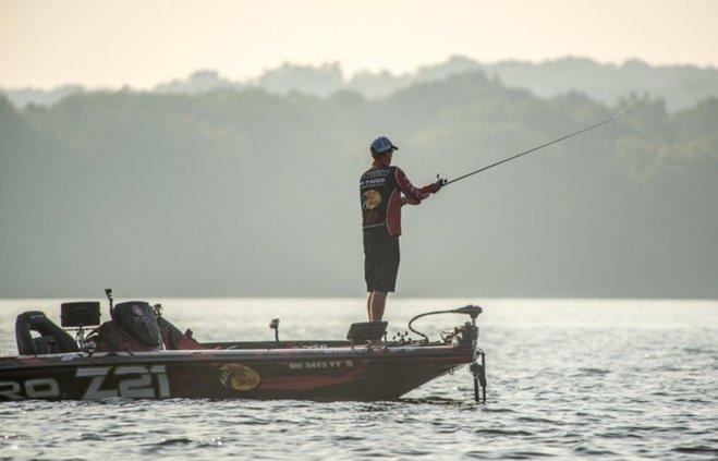 Kevin Van Dam fishing